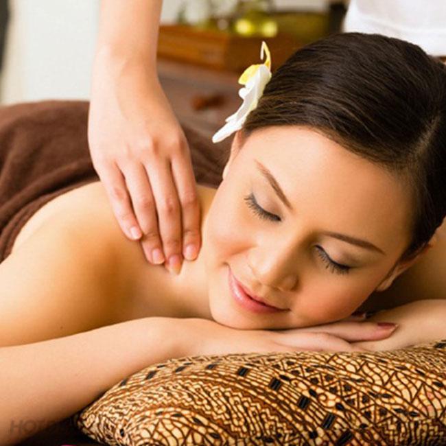 massage cổ vai gáy hỗ trợ điều trị đau nhức